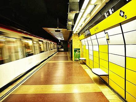 barselona-metro-station-barcelona-metro-istasyonu