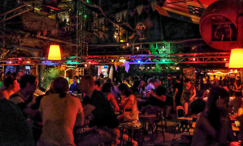 szimpla-kert-ruin-bar