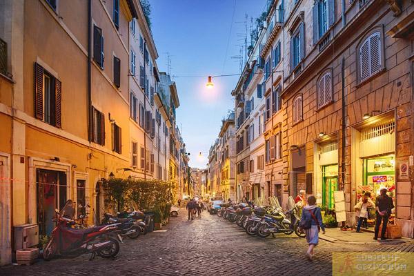 roma-sokaklari-motosikletler