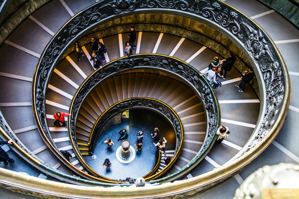 vatikan-muze-merdiven