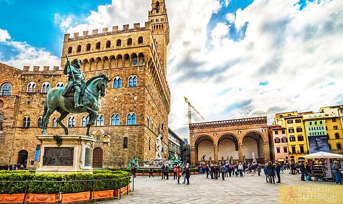 piazza-della-signoria-floransa