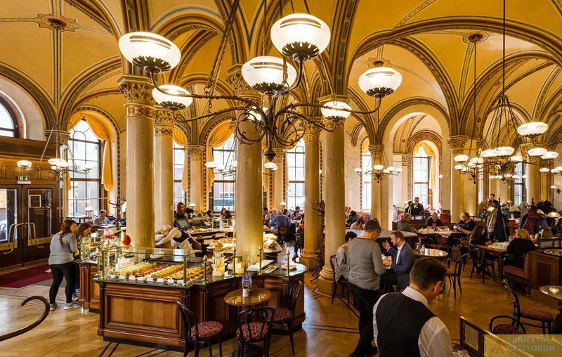 cafe-central-ic-gorunus-viyana-gezi-rehberi-subjektif-geziyorum