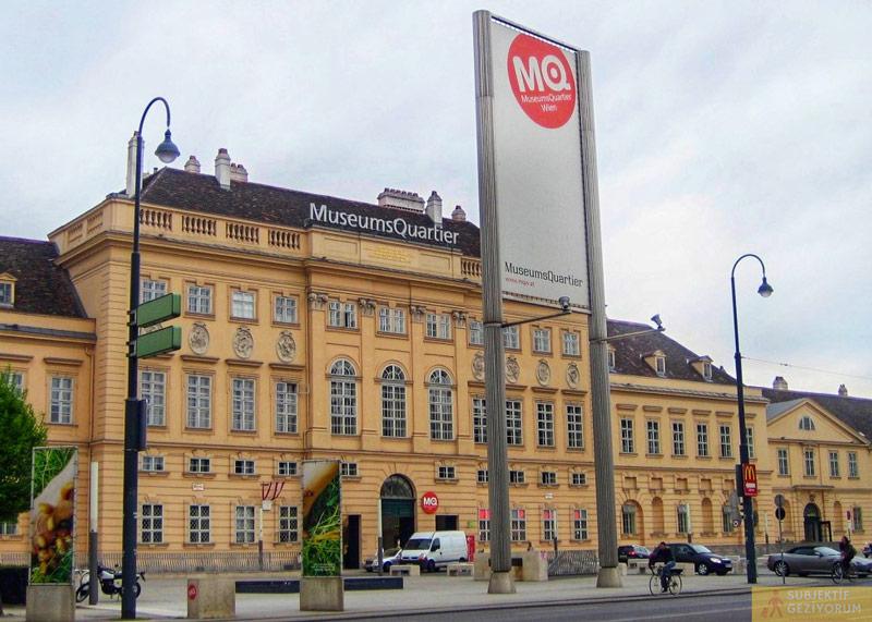 museumsquartier-giris-viyana