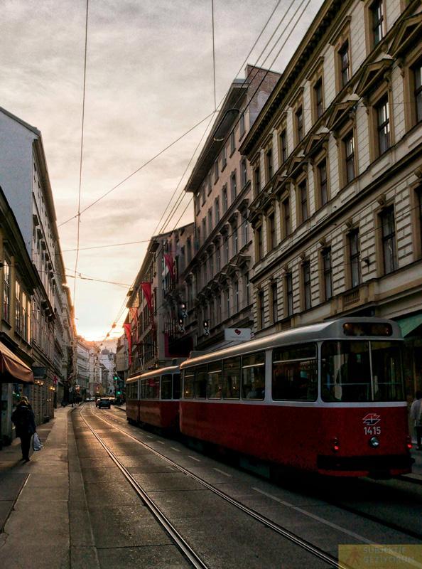 viyana-ulasim-tramvay-subjektif-geziyorum